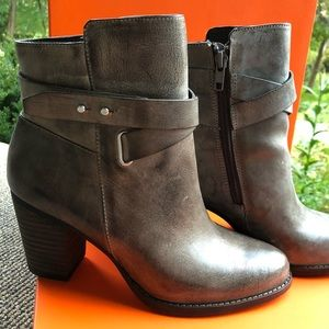 Arturo Chiang Leather boots At-Santa NEW in box
